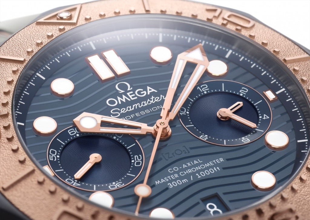 OMEGA_210.60.44.51.03.001_close-up_LOW.jpg