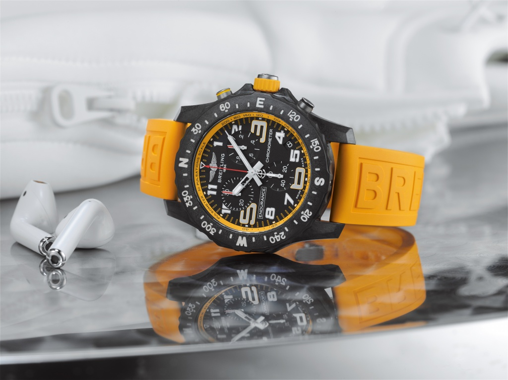 05_endurance-pro-with-a-yellow-inner-bezel-and-rubber-strap-1.jpg