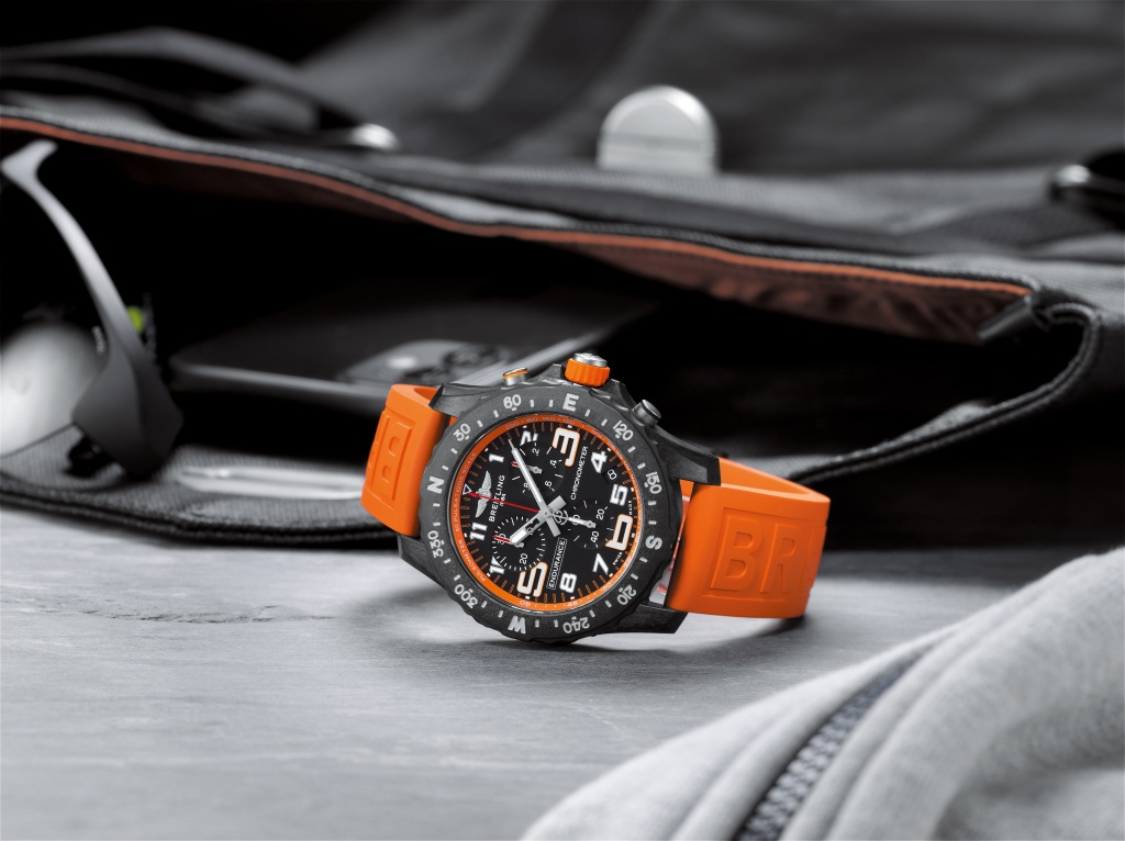 07_endurance-pro-with-an-orange-inner-bezel-and-rubber-strap-1.jpg