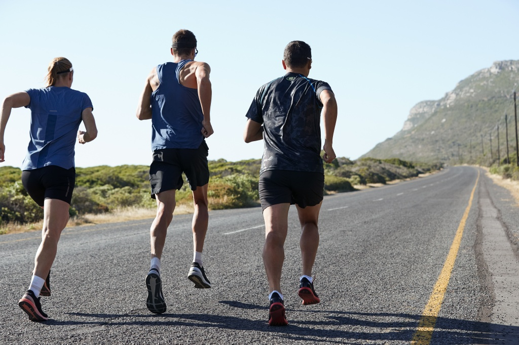 02_breitling-triathlon-squad-members-daniela-ryf-jan-frodeno-and-chris-mccormack-running-left-to-right.jpg