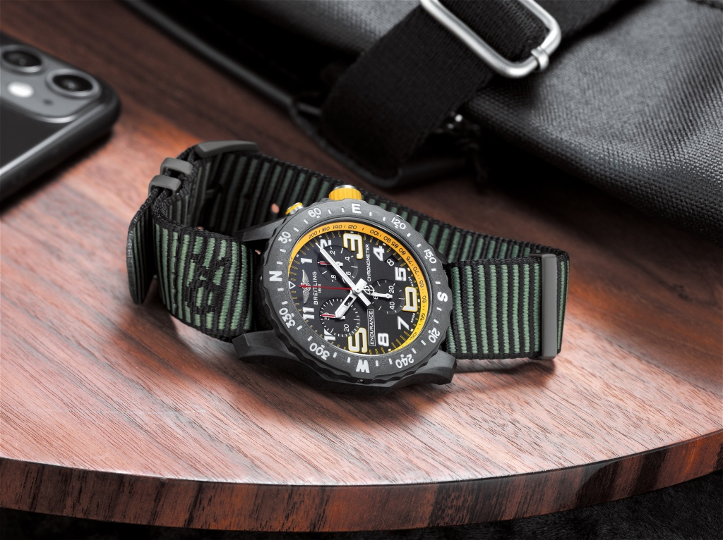 06_endurance-pro-with-a-yellow-inner-bezel-and-green-outerknown-econyl-yarn-nato-strap-1.jpg