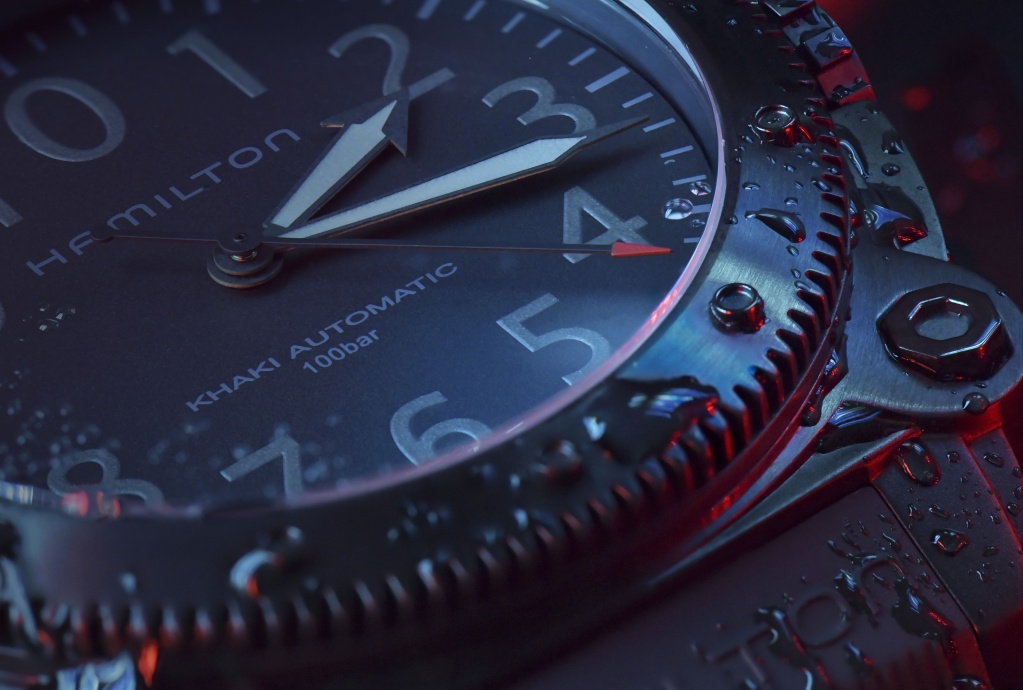 Hamilton Belowzero Titanium Limited Edition Red_H78505332_Lifestyle 4.jpg